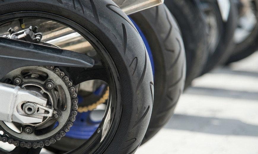 Motosiklet Jantı Nasıl Temizlenir?