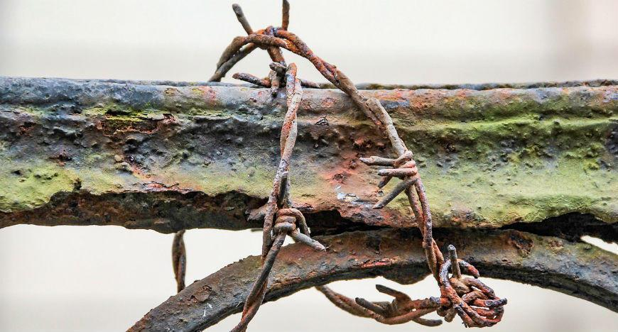 Küflenmeyi önlemek için demir ve çelik üzerine uygulanan madde